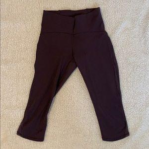 Lululemon Plum colored cropped yoga pants